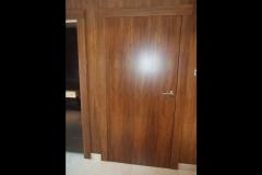 drzwi-fornirowane-z-zabudowana-fornirem-sciana
