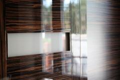 nowoczesne-drzwi-fornirowane-polysk-zblizenie-1