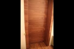 nowoczesne-drzwi-pokryte-fornirem